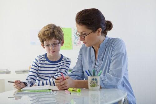 Niño con trastorno de aprendizaje