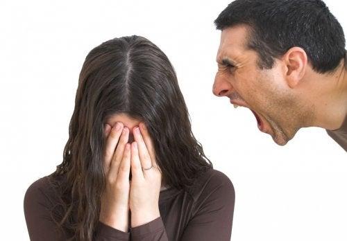 Cosas que nunca debes permitir en una relación
