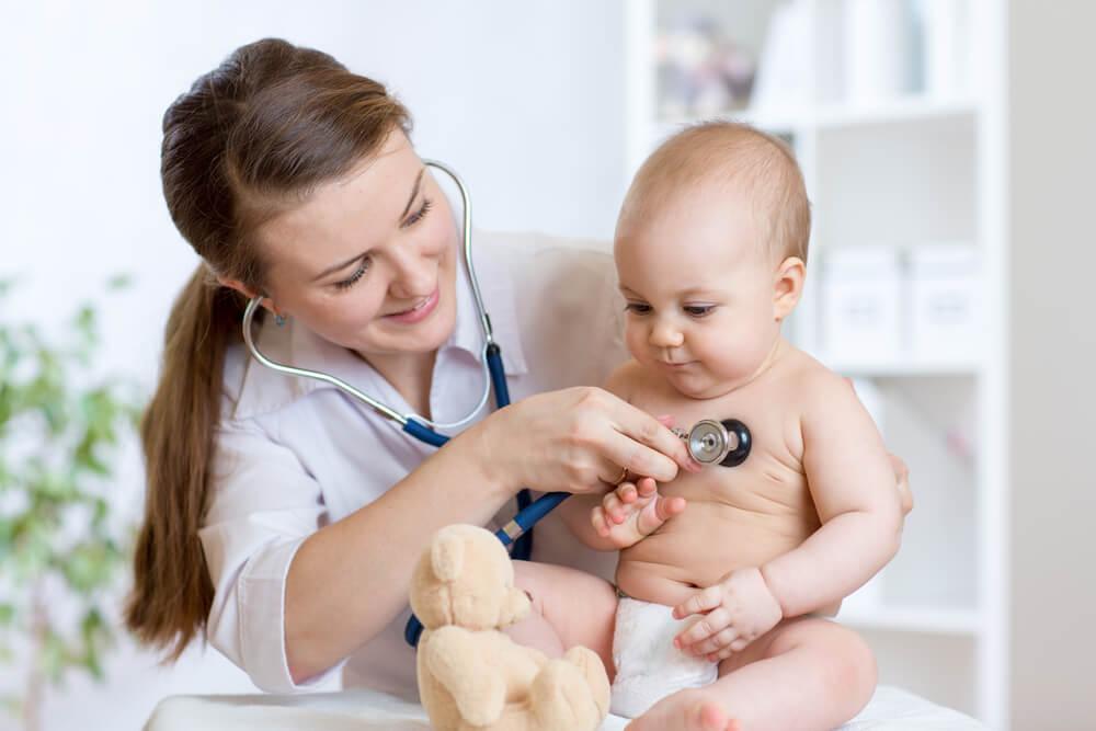 La necesidad de los controles médicos en tu bebé