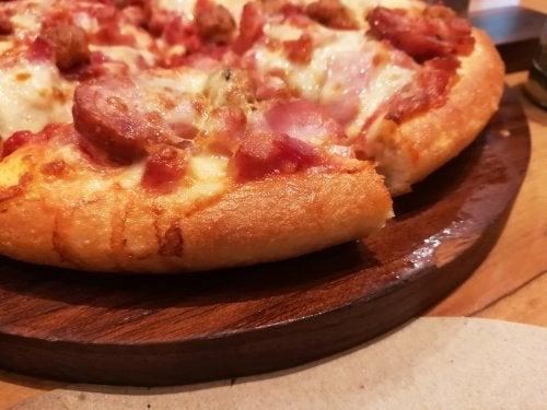 Varias recetas para la pizza de longaniza