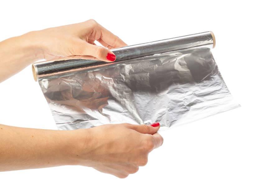 Qué puedes hacer con el papel de aluminio.