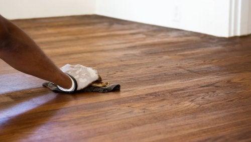 suelos brillantes de madera