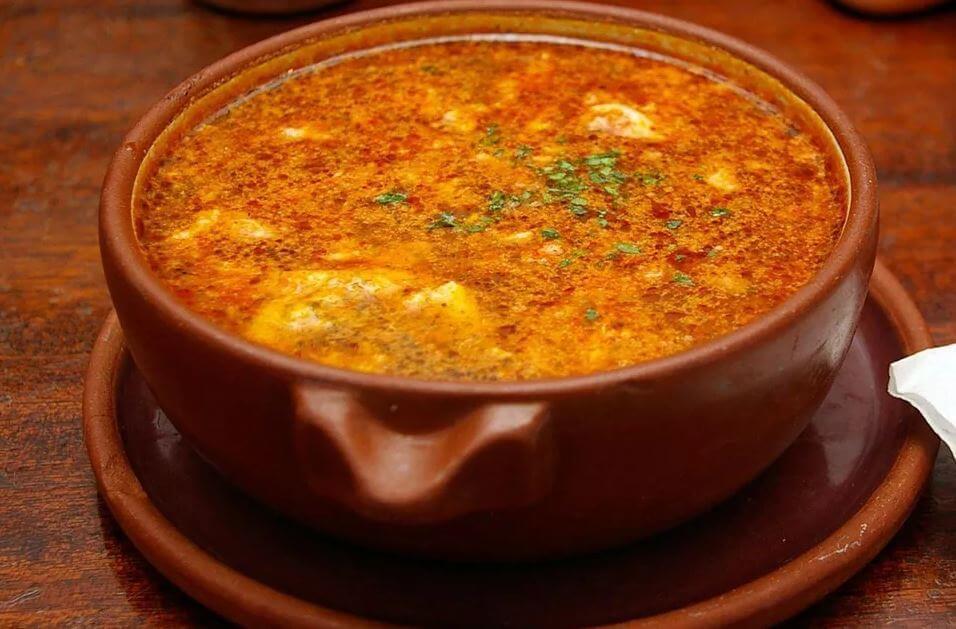 Espectacular receta de sopa de ajo ¡atrévete a probar!