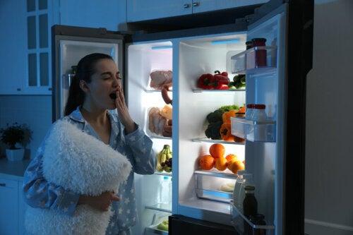 7 alimentos que no debes consumir en la noche