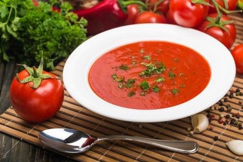 Sopa de tomate para adelgazar
