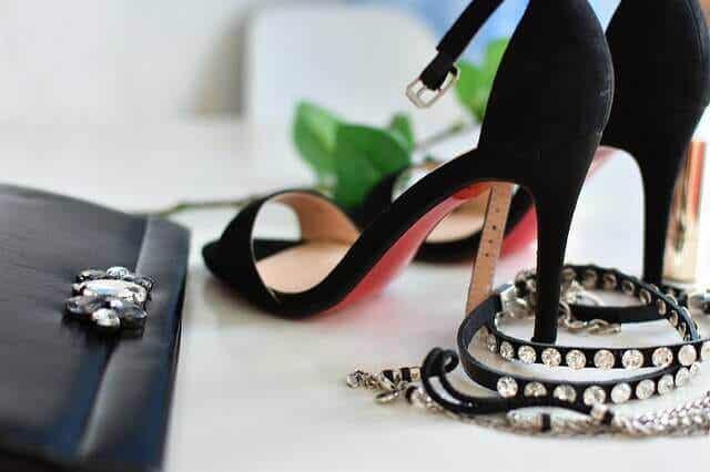 Aprende a elegir los tacones para cada tipo de vestido