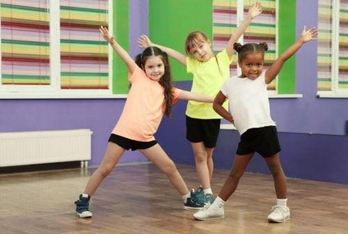 Cómo inculcar una vida de deporte a los niños