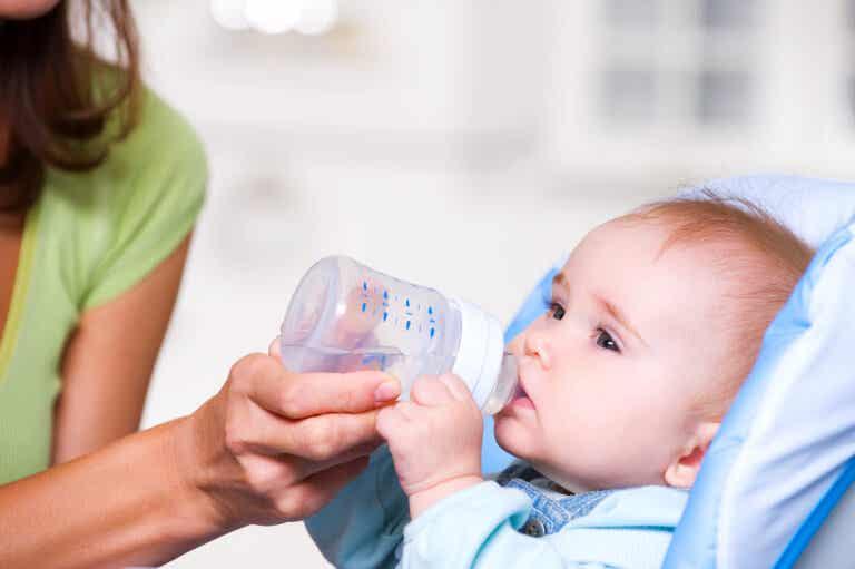 8 cosas que nunca deberías hacerle a los bebés