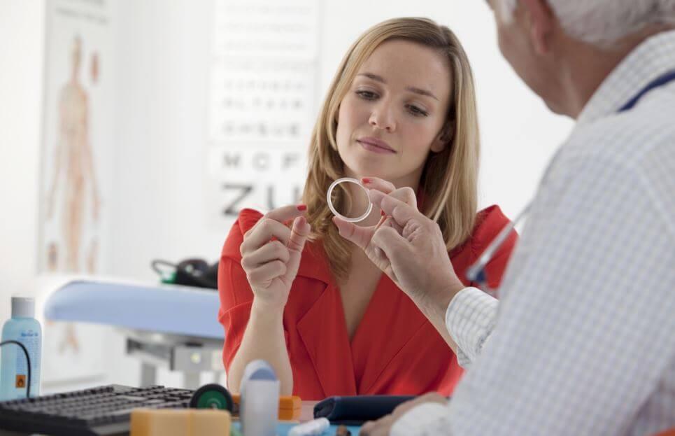 El anillo vaginal: cómo usarlo y qué efectos secundarios tiene