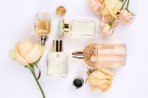 4 cosas que puedes hacer con frascos de perfumes viejos