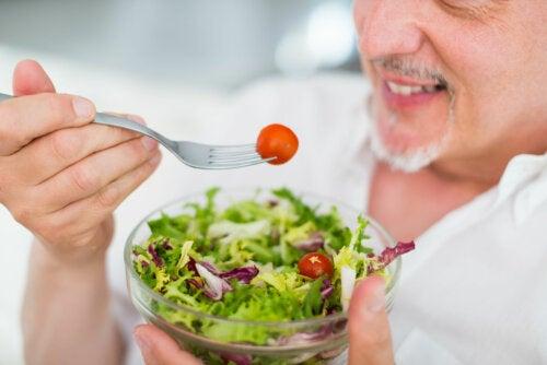 La importancia de una buena alimentación para un estilo de vida saludable