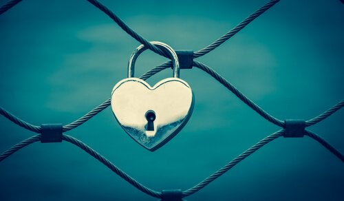 Corazón con una cerradura