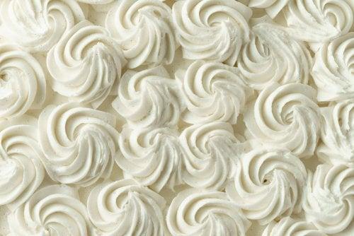 Aprende a preparar la crema decorativa para tortas