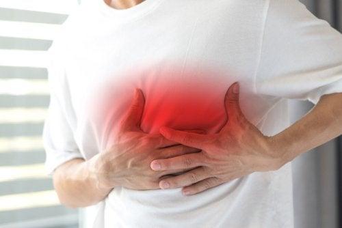 dolor del pecho al respirar hondo