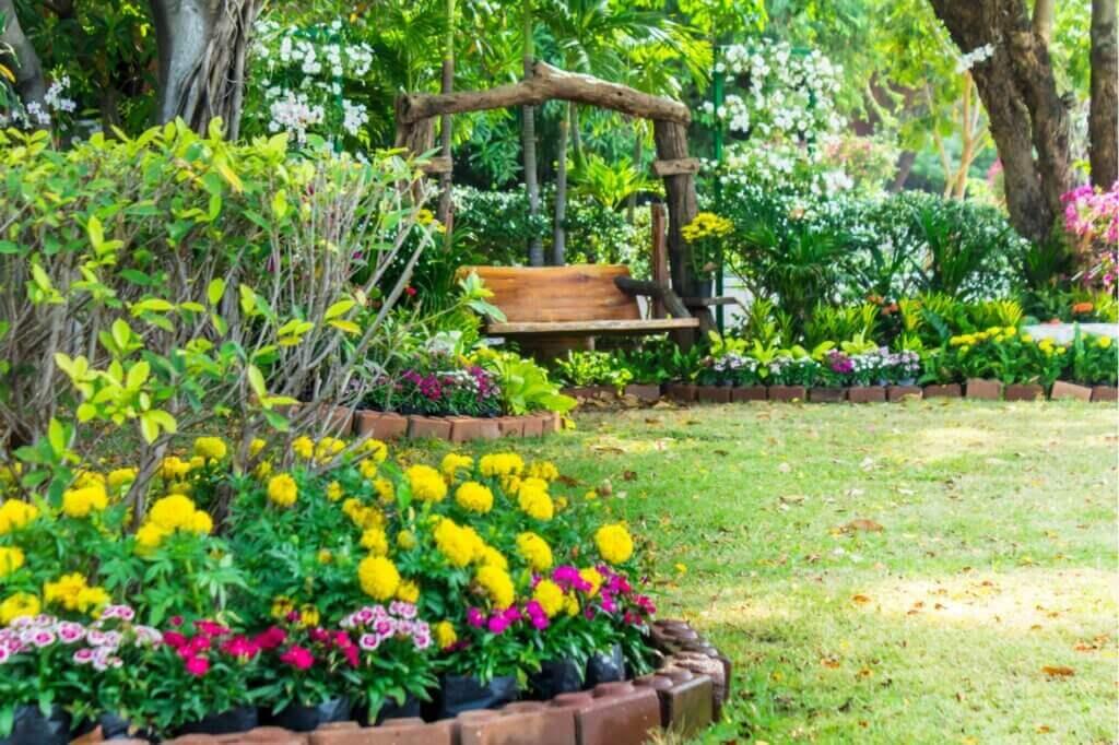 Decorar un jardín pequeño puede ser muy sencillo.