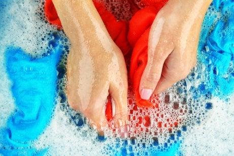 Cómo Lavar Los Puños Y Cuellos De Las Camisas Mejor Con Salud