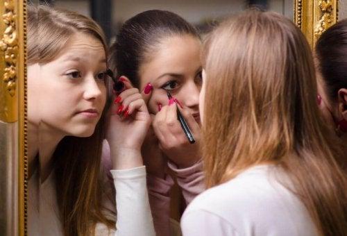 El maquillaje se estropea con facilidad.