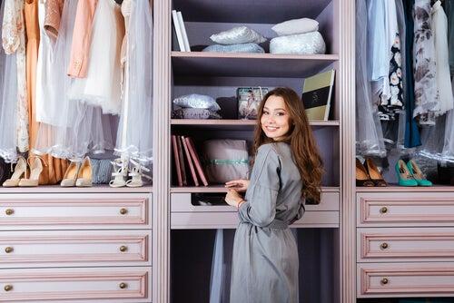 7 trucos para evitar malos olores en los armarios