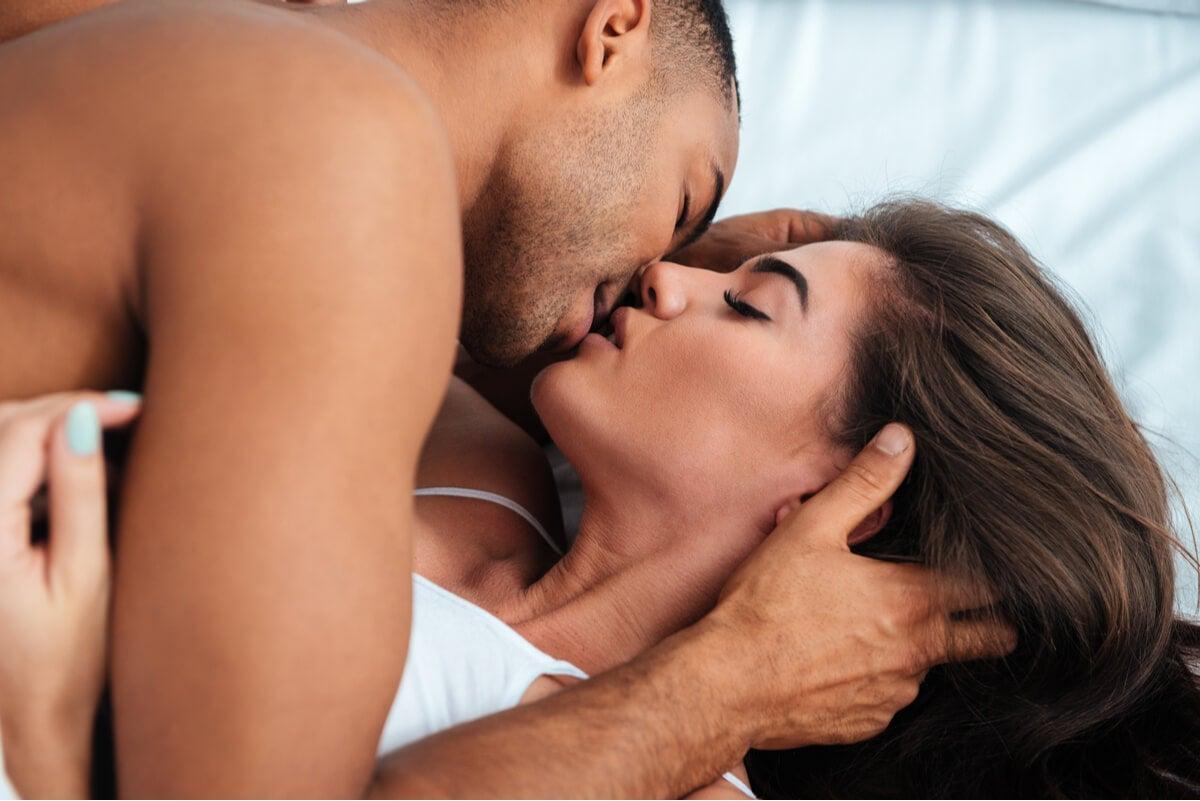 ¿Se pueden contagiar ETS con un beso?