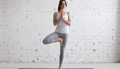 práctica de yoga en casa