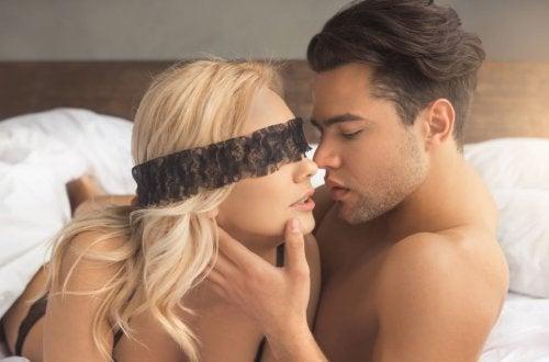 Sexo kinky: descubre este tipo de relación atrevida
