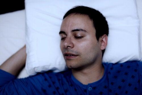 ¿Qué pasa en el cuerpo durante el sueño?