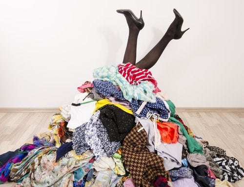 Es necesario saber ordenar y guardar tu ropa de tu armario.