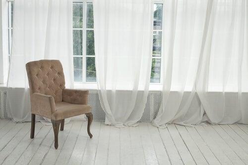 Las cortinas son un elemento decorativo fundamental de las casas.