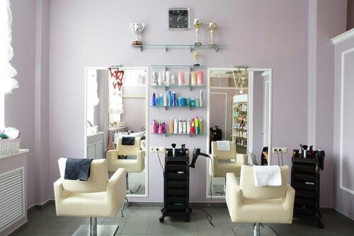 Los salones de belleza son lugares que deben cuidar su estética.
