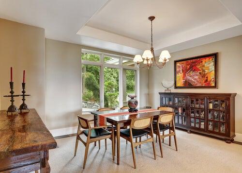 ¿Cómo decorar un comedor con muebles vintage?