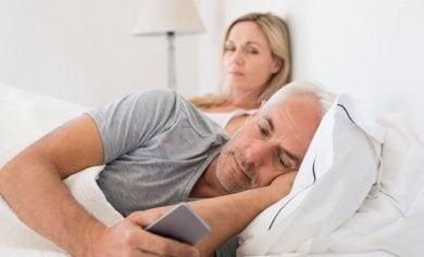 6 señales de que tu pareja ha tenido sexo, pero no contigo