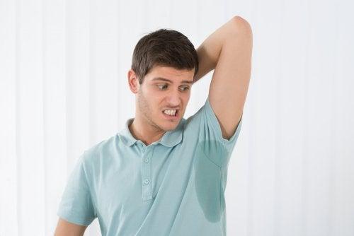 Cómo evitar la sudoración excesiva: consejos infalibles