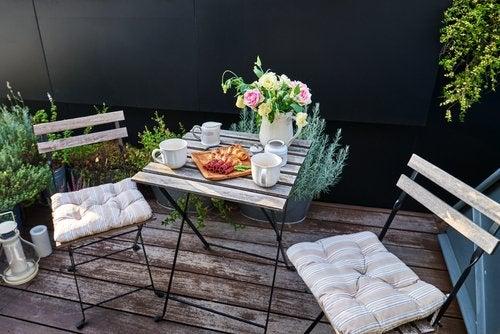 4 ideas para decorar la terraza con un estilo romántico