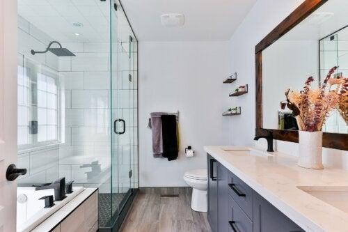 Consejos para darle un toque femenino al baño