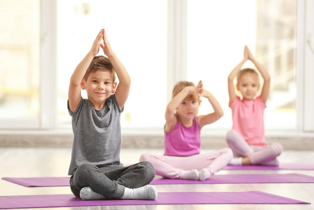 5 Posturas De Yoga Que Pueden Hacer Los Niños