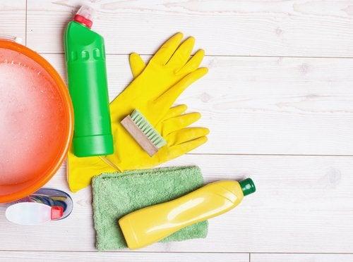 3 usos sorprendentes del amoníaco en el hogar