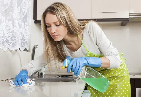 Desinfectante multiusos para la cocina.