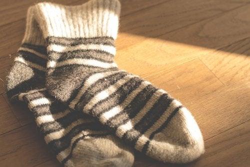 El uso de calcetines puede ayudar a alcanzar el orgasmo.