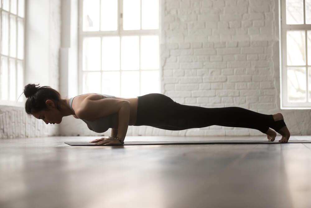Yoga para fortalecer los brazos