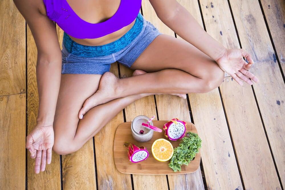 8 consejos para comer mejor si haces yoga