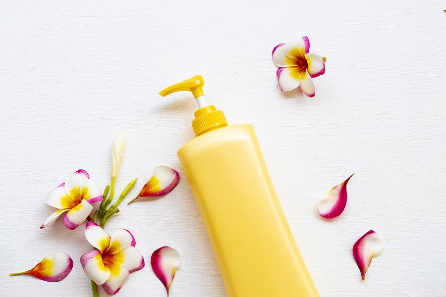 Crema con filtro solar para la piel.