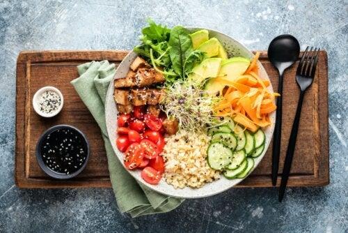 Cómo hacer una dieta antiinflamatoria para tratar el ácido úrico
