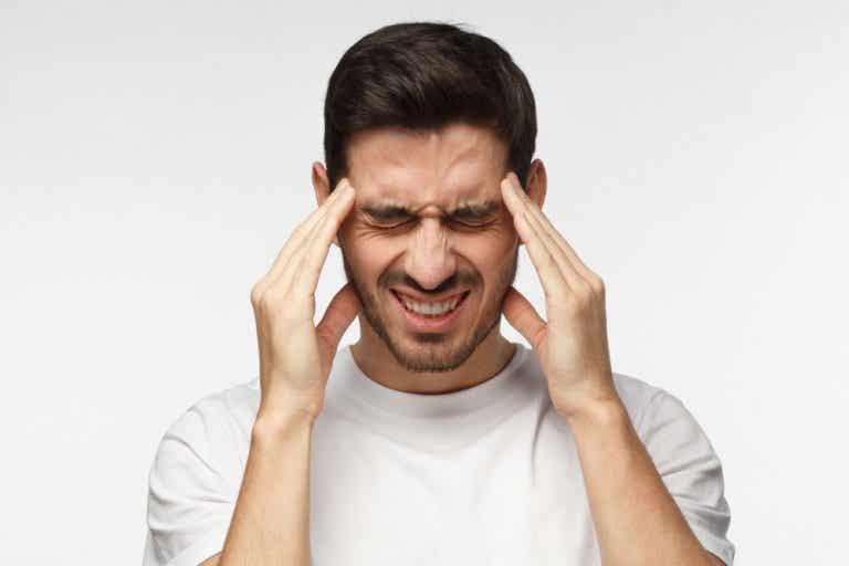 Cómo aliviar la cefalea tensional con 8 remedios de origen natural