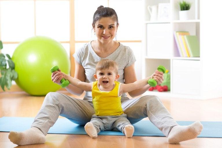 Cómo enseñar a tu bebé a sentarse