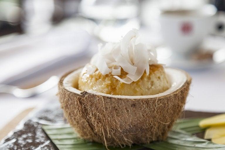Flan de coco sin azúcar y sin leche