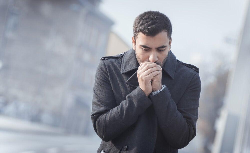 Sensación de frío en el cuerpo.