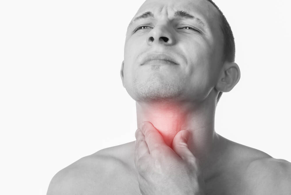 Infusión de menta y miel para calmar la irritación de la garganta