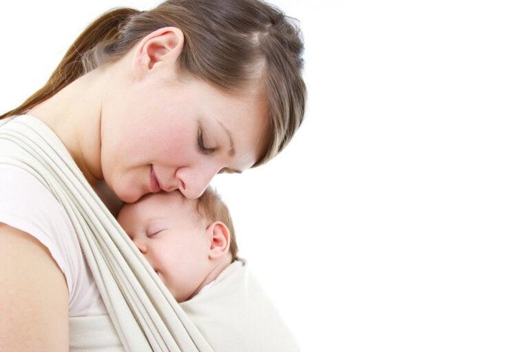 ¿Por qué mi bebé quiere estar siempre en mis brazos?