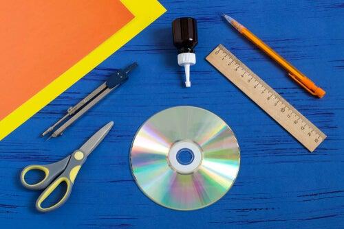 Haz tus propias cortinas con discos reciclados