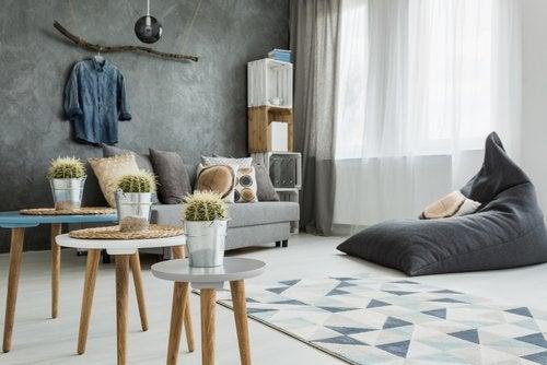 Decoración de casa en gris y minimalista